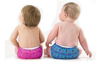 Как правильно одевать подгузник девочке и мальчику?