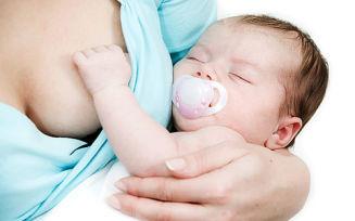Почему ребенок отказывается от грудного вскармливания после бутылочки?
