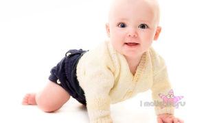 Когда меняется цвет глаз у новорожденных?