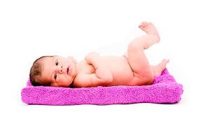 Как вывести кочергу у новорожденных детей?