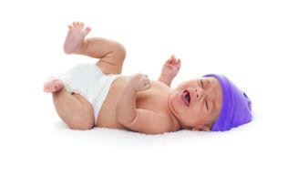 Что делать, когда ребенок кричит и выгибается?