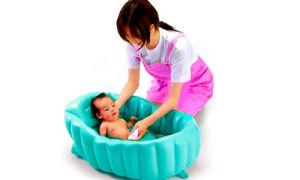 Первое купание новорожденного ребенка после роддома