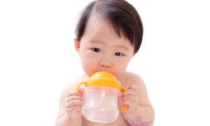 Как избавить новорожденного от икоты дома