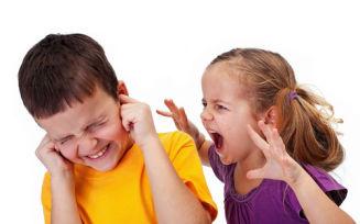 Что делать, если ребенок нервный и агрессивный?