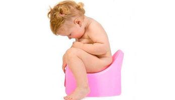 Почему ребенок пукает слизью и водой?
