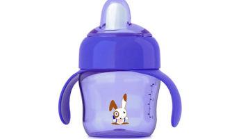 Что делать, когда ребенок плачет при кормлении из бутылочки?