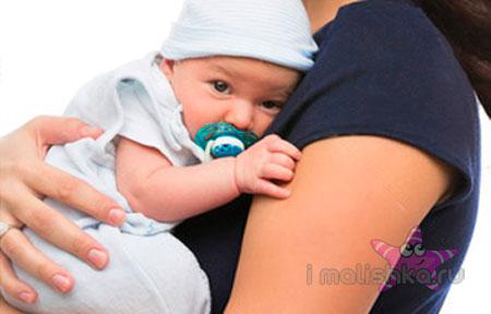 держать ребенка столбиком
