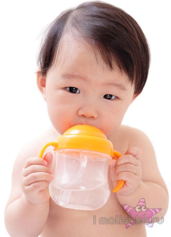 Как избавить новорожденного от икоты