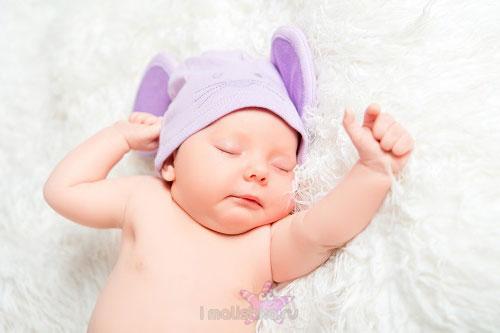 Новорожденный не спит ночью: что делать