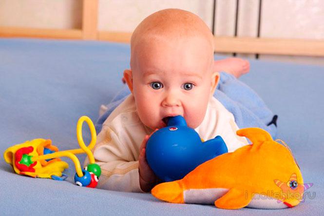 Развивающие игры от рождения до 3 месяцев