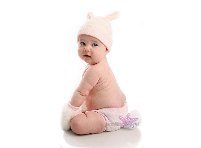 Выделения у новорожденной