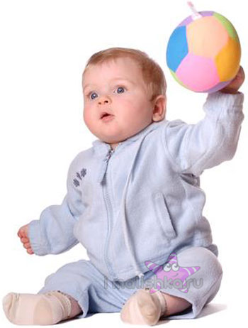 Первые игрушки для новорожденного