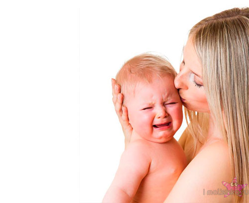 Почему новорожденный плачет