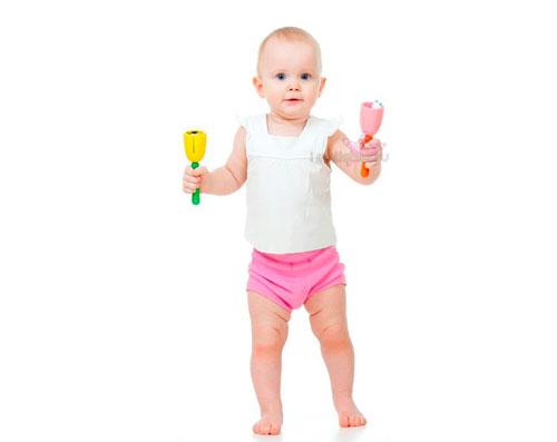 Как научить ребенка стоять