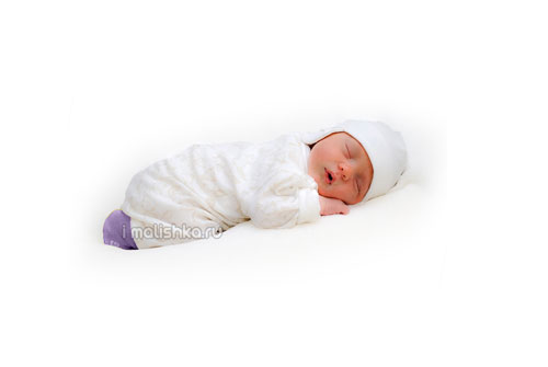 Можно ли месячному ребенку спать на животе — сон по месяцам