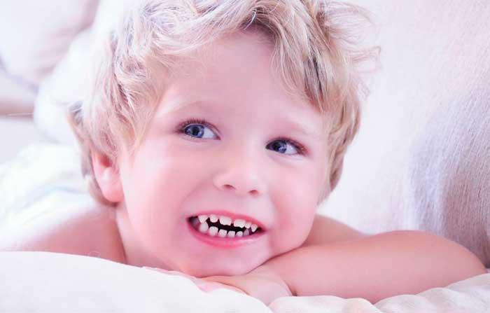 rebenok-skripit-zubami-vo-sne-1